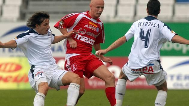 Plánovaná posila 1. FC Brno Milan Ivana (úplně vlevo).