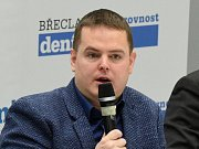 Bioklimatolog z Mendelovy univerzity a významný člen projektu Intersucho, mimo jiné také šéf projektu klimatickazmena.cz, profesor Miroslav Trnka.