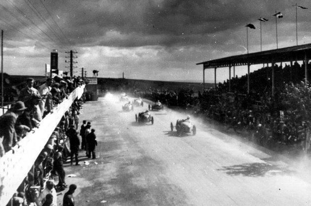 Předválečný Masarykův okruh měřil devětadvacet kilometrů