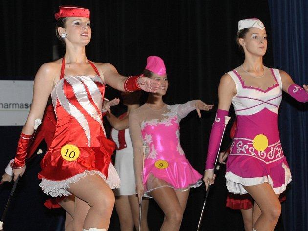 Dvanáctka nejhezčích mažoretek z celé republiky se utkala v sobotu v Říčanech na Brněnsku o titul Miss mažoretka 2012.