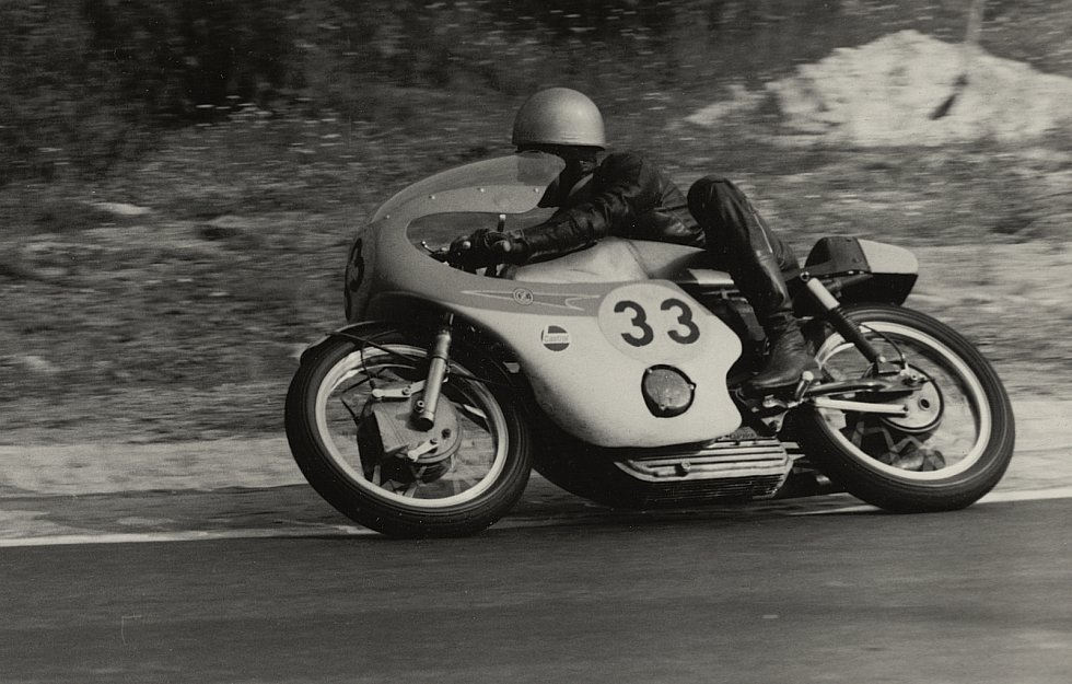 Na Masarykově okruhu válel i další legendární československý pilot Bohumil Staša. Dvacetinásobný domácí šampion dojel v závodech světového šampionátu Grand Prix dvakrát na stupních vítězů. V roce 1969 finišoval třetí a o dva rok později skončil druhý.