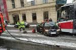 Čtvrteční nehoda v Brně ve směru ulice Vlhká.