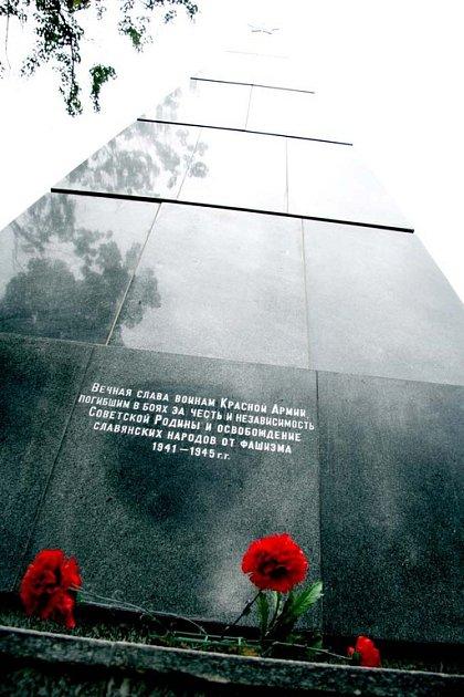 pomník rudoarmějce v Králově Poli.