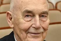 Alexander Ženíšek se zasloužil o vytvoření nového studijního oboru Matematické inženýrství.
