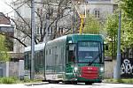 Brněnská šalina Drak. Přibýt může brzy i trolejbus.
