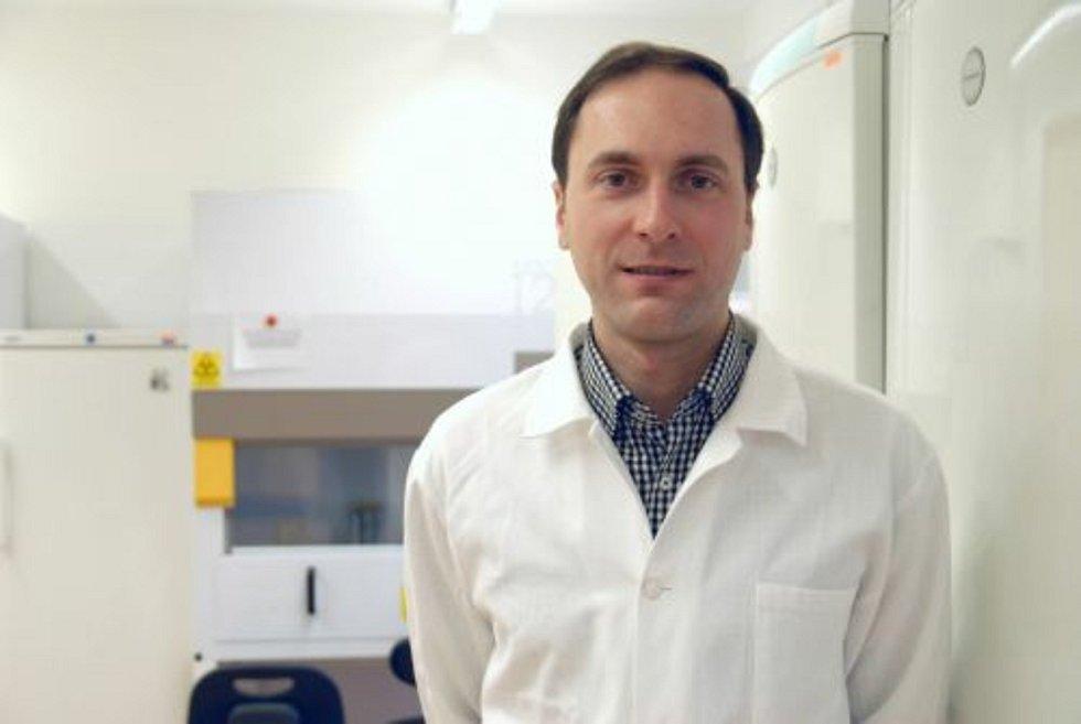 Virolog a vedoucí projektu Daniel Růžák dosáhl se svým týmem jedinečného objevu.