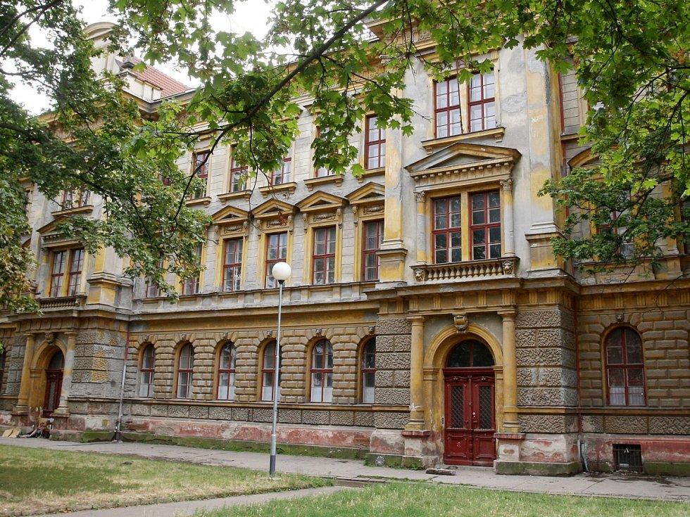 Kvůli úřednické chybě je v Brně už rok ohrožených asi čtrnáct set památek. U části majitelé požádali o nové zapsání na seznam.