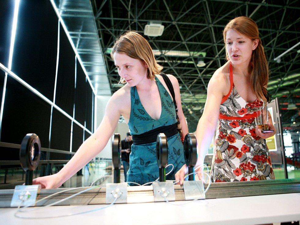 Vědci z Akademie věd výstavu nazvali Vynálezy, které ovlivnily lidstvo. Připomíná 125. výročí založení akademie.
