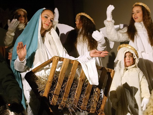Živý betlém Brňany přenesl do vánoční atmosféry.