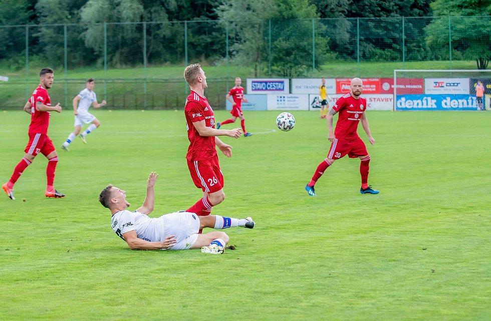 1. kolo F:NL: FK Fotbal Třinec (červená) - SK Líšeň (bílá)