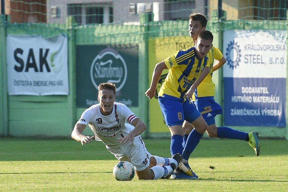 12.9.2020 - domácí SK Líšeň v bílém (Ondřej Ševčík) proti FK Varnsdorf (Filip Chládek)