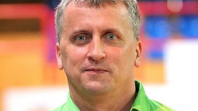 Brněnský mládežnický basketbalový trenér Richard Fousek.