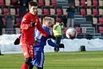 Pohlednou ofenzivní podívanou nabídli fotbalisté Zbrojovky divákům v jihomoravském derby zimní Tipsport ligy. Ve svém druhém duelu skupiny C zvítězili Brňané nad Znojmem 5:1.