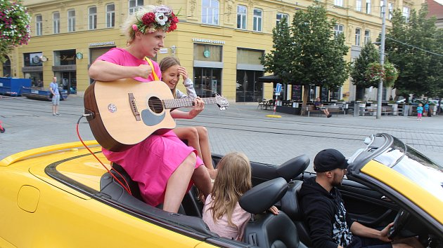 Sobota v Brně patřila Maratonu hudby Brno - při něm lidé potkávali flašinenáře i buskery