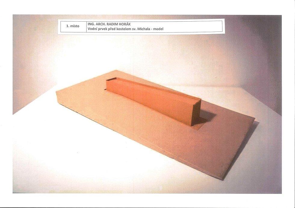 Vítězný návrh architektonické soutěže na vodní prvky na Dominikánském náměstí. Model vodního prvku před kostelem svatého Michala.