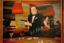 Foyer Divadla Bolka Polívky vyzdobilo dvanáct barevných velkoformátových snímků českých a slovenských umělců.