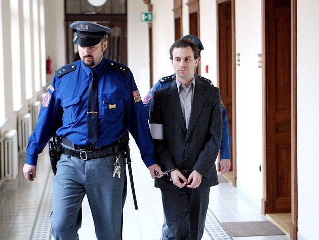 Čtyřiatřicetiletý Martin Gracias u brněnského krajského soudu.