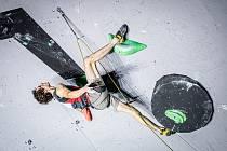 Adam Ondra získal na Světovém poháru ve Francii zlatou medaili v lezení na obtížnost.
