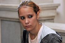 Natálie Koncová u brněnského soudu.