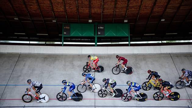 Mezinárodní etapový bodovací závod 500+1 kolo na brněnském velodromu.