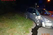 Opilý řidič při jízdě z oslavy havaroval v Bystrci. Zastavil se o zábradlí.