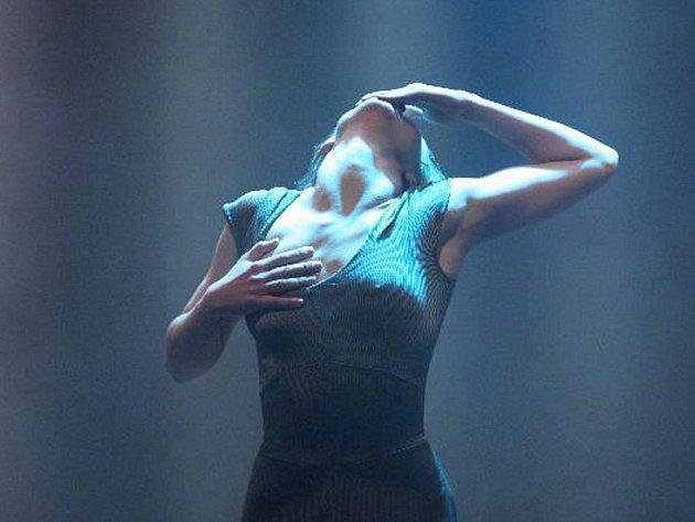 Tanečnice z pražské skupiny DOT 504.