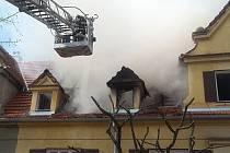Požár rodinného domku v brněnských Řečkovicích v Jandáskově ulici.