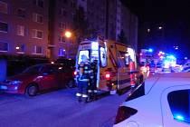 S požárem sklepa panelového domu v Mikulovské ulici v Brně v neděli krátce před jedenáctou hodinou večer vyjely bojovat jednotky jihomoravských hasičů.