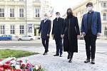 Brno 17.11.2020 - kladení věnců u památkíku v ulici Rooseveltova - primátorka Markéta Vaňková