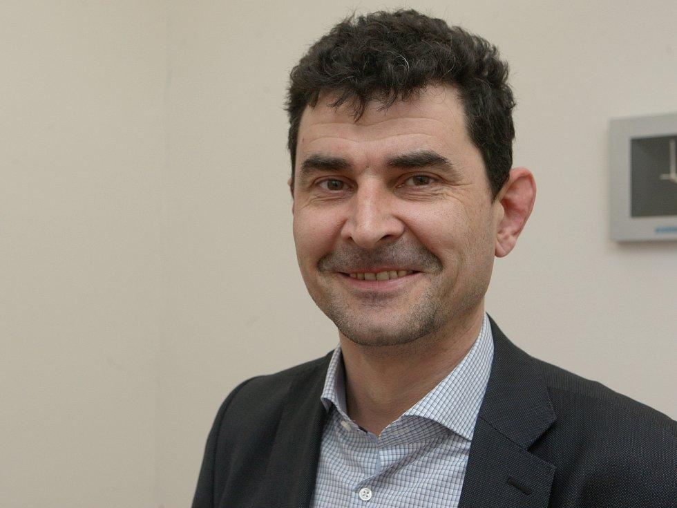 Rozhovor na konci týdne s Davidem Bártou z Centra dopravního výzkumu.