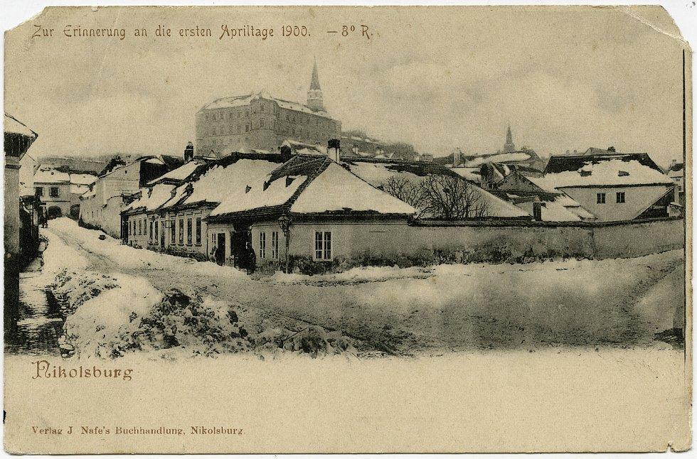 Pohlednice vydaná na památku prvních dubnových dnů roku 1900, kdy bylo v Mikulově minus 8 stupňů.
