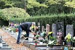 Na Ústřední hřbitov města Brna se vydaly desítky Jihomoravanů.