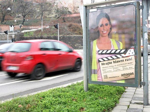Mezinárodní gigant Amazon už sháněl nové pracovníky.