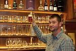 První brněnskou pivní bohoslužbu si mohli v pátek užít návštěvníci Pivária Zelená Kočka na oslavě ocenění Nejlepší pub v České republice, které letos podnik získal.