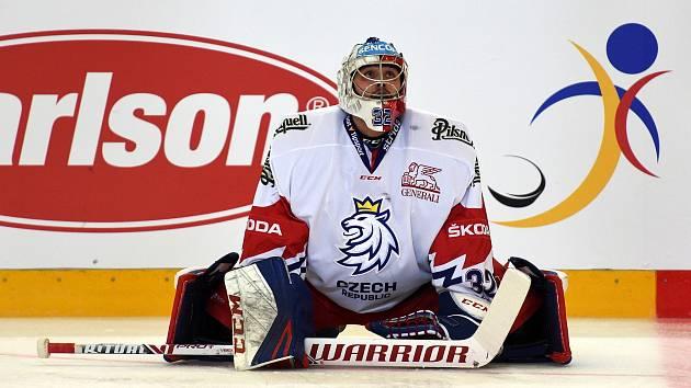 Patrik Bartošák v zápase proti Švédsku