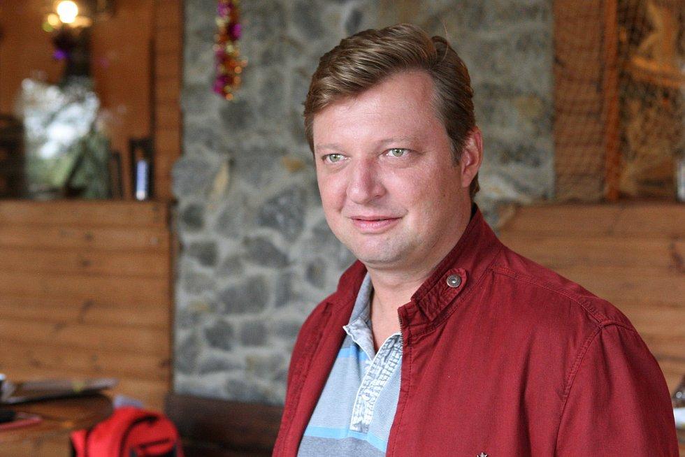 Natáčení nového seriálu České televize Hlava Medúzy - na snímku Michal Isteník.