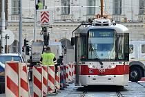 Začátek opravy ulice Veveří.