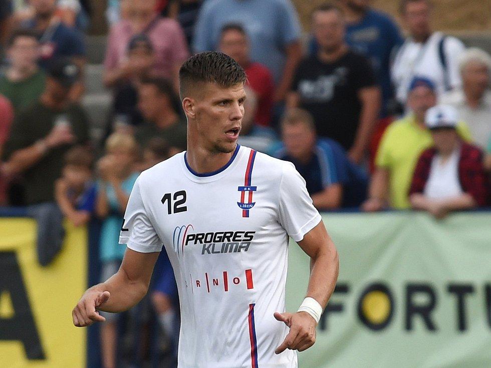 Fotbalista Adrián Čermák.