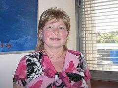 Dvaapadesátiletá Zdeňka onemocněla rakovinou prsu. Proto jí lékaři doporučili preventivní odstranění obou prsou a vaječníků. Operovali ji před měsícem a přitom jí prsa zrekonstruovali s využitím tukových laloků z břicha.