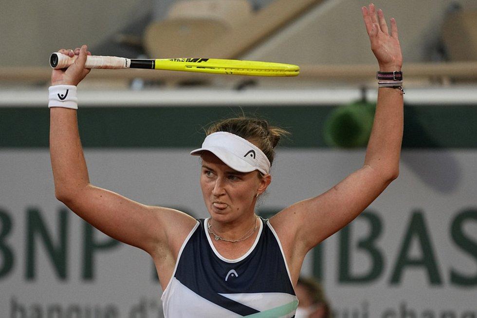 Barborou Krejčíkovou v semifinále nezlomil proti Sakkariové ani kiks umpirového rozhodčího.
