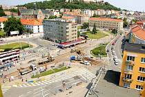Opravy kolejí na Mendlově náměstí začaly. Lidem znepříjemnily cestu do práce