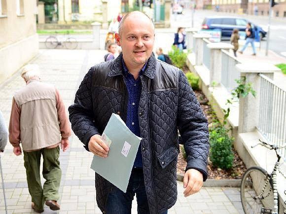 Michal Hašek u voleb.