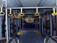 Autobus Neoplan má minimálně sedadel.