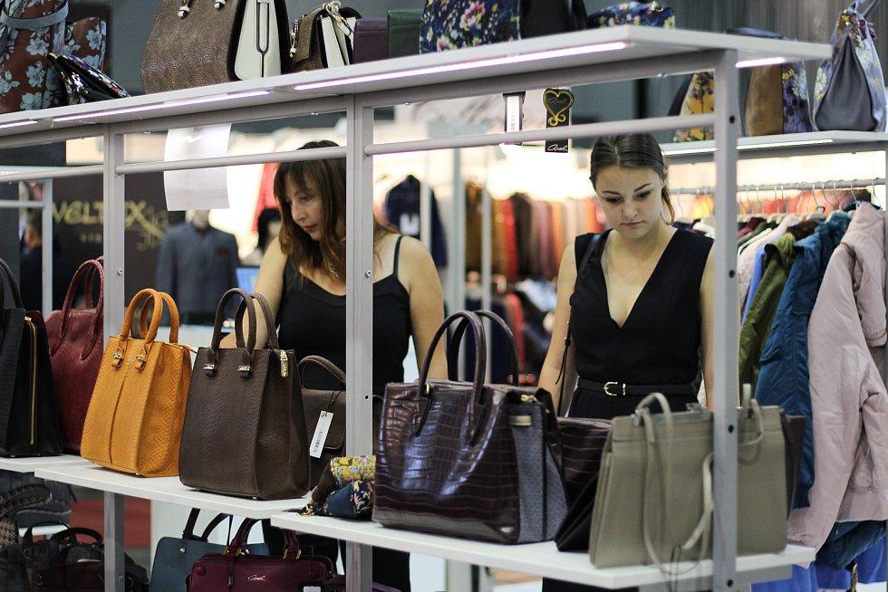Veletrhy Styl a Kabo lidem nejen o víkendu představily nadcházející módní trendy.