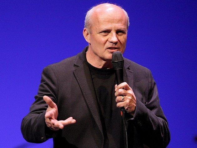 Michal Horáček (na snímku) provedl brněnské publikum recitálem Mezi námi.