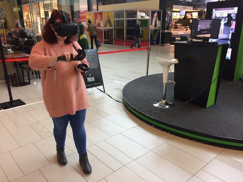 Redaktorka Brněnského deníku Rovnost Viktorie Pokorná si vyzkoušela virtuální aktivity v Avion Shopping parku v Brně.