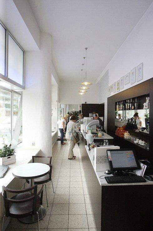 Kavárna Kolbaba.