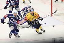 Předposlední přípravný zápas sehráli hokejisté Komety se Zlínem. Duel opanovali 5:1. Nyní mají s moravským rivalem začít ostrou sezonu.