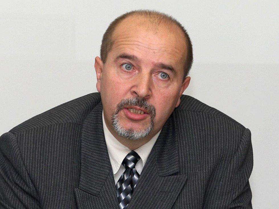 Tisková konference k případu zloděje ze Židlochovic - poručík Pavel Mitáš