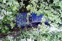 Děsivým zážitkem si prošli čtyři mladíci, kteří jeli po silnici mezi Želešicemi a Hajany na Brněnsku. Jejich auto se skutálelo přibližně tři metry pod úroveň silnice. Do potoka.